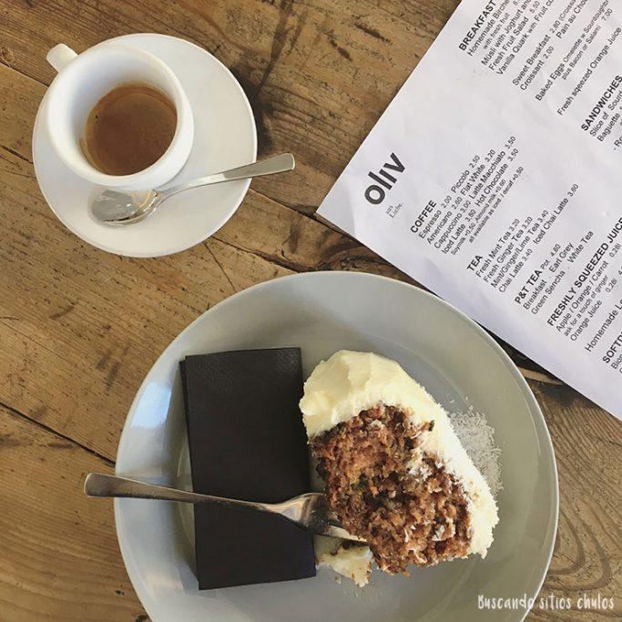 Tarta de zanahoria en Café Oliv