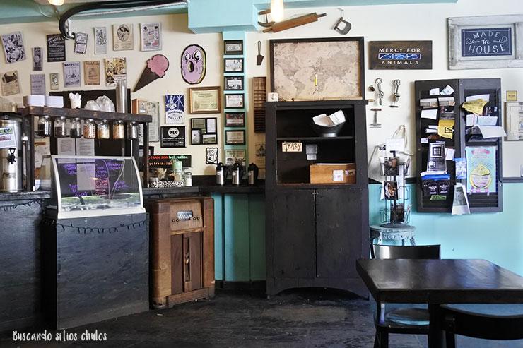 Muebles vintage Dun-Well Doughnuts