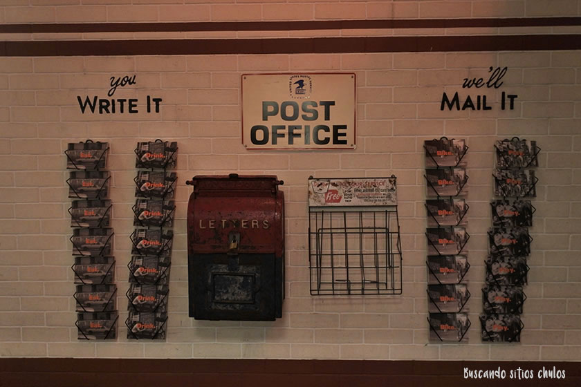 Post Office en Gotham West Market