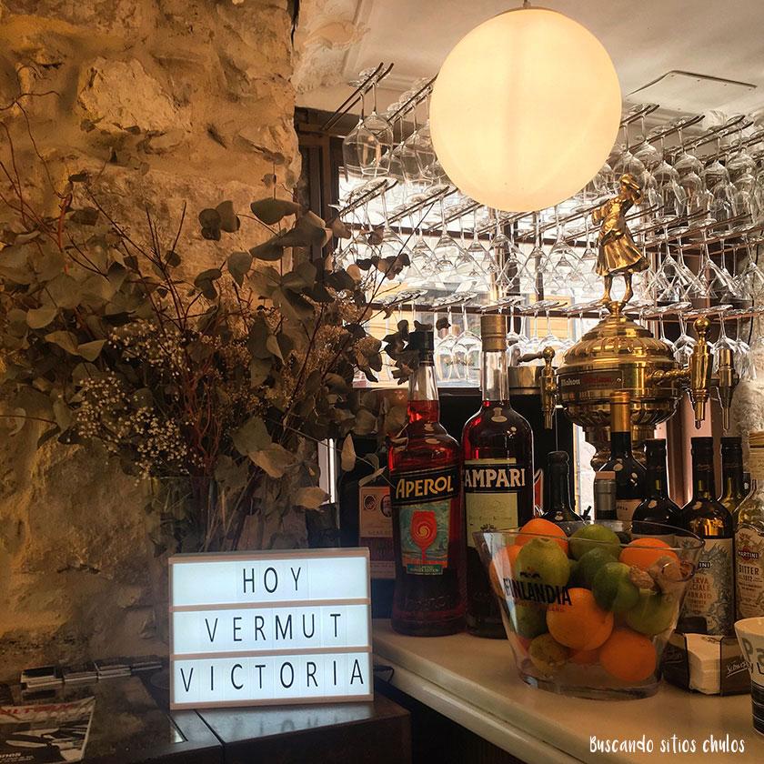 Interior Vermutería Victoria en Burgos