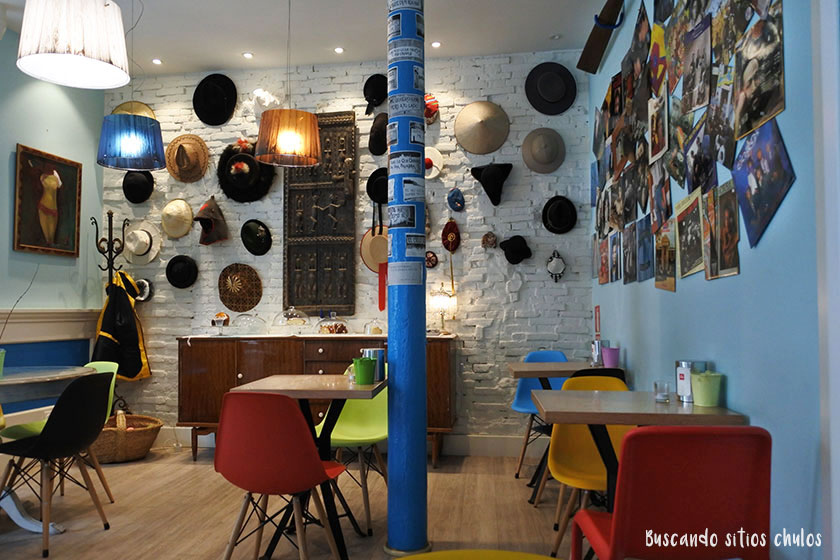 Interior de Blú Café en Gijón