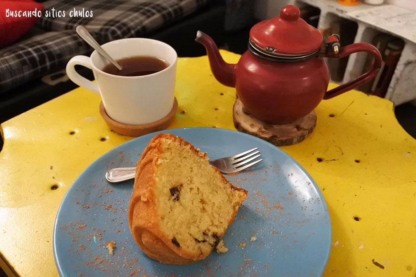 Té y bizcocho en Defábula