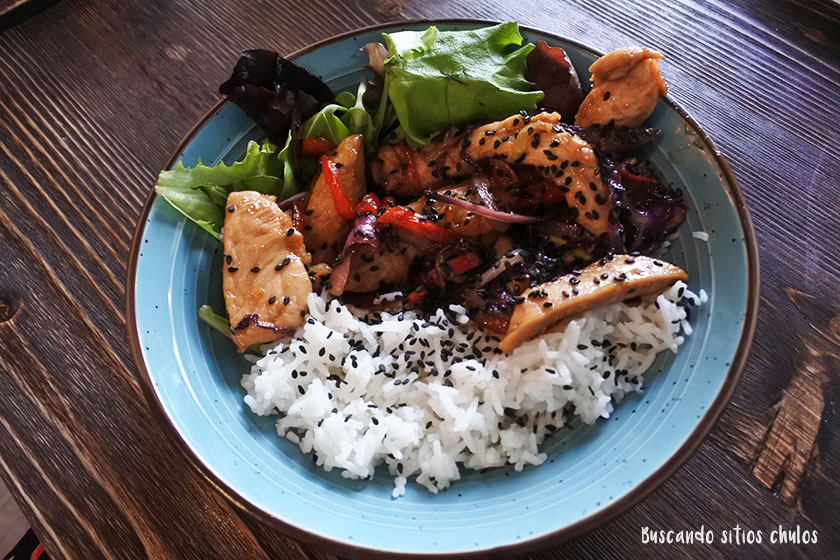 Pollo Teriyaki en Bastard Coffe & Kitchen