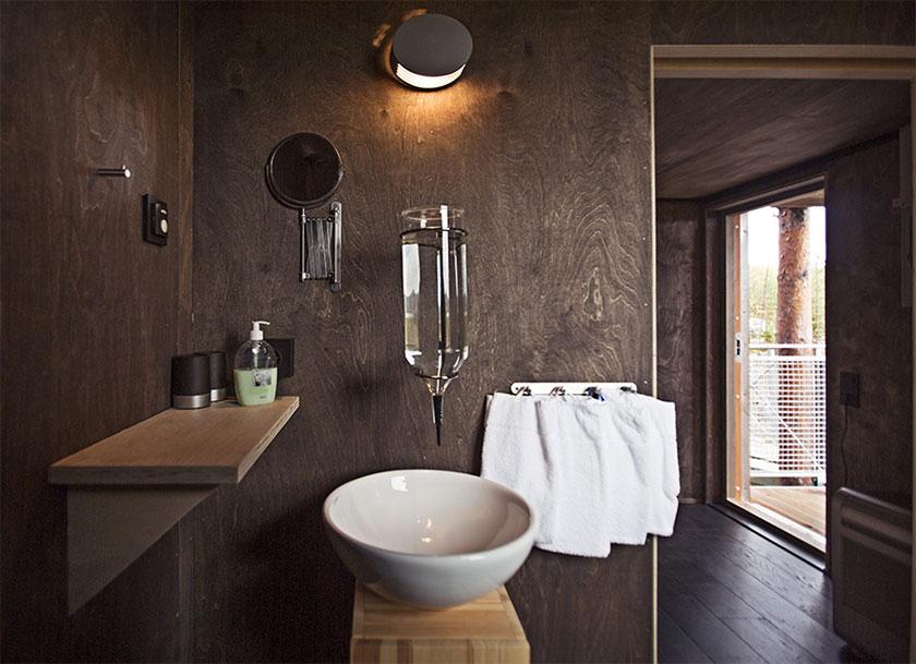 Interior del Treehotel en Suecia