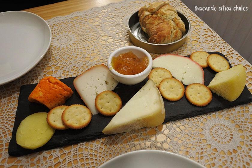 Tabla de quesos portugueses en Petisqueira Voltaria