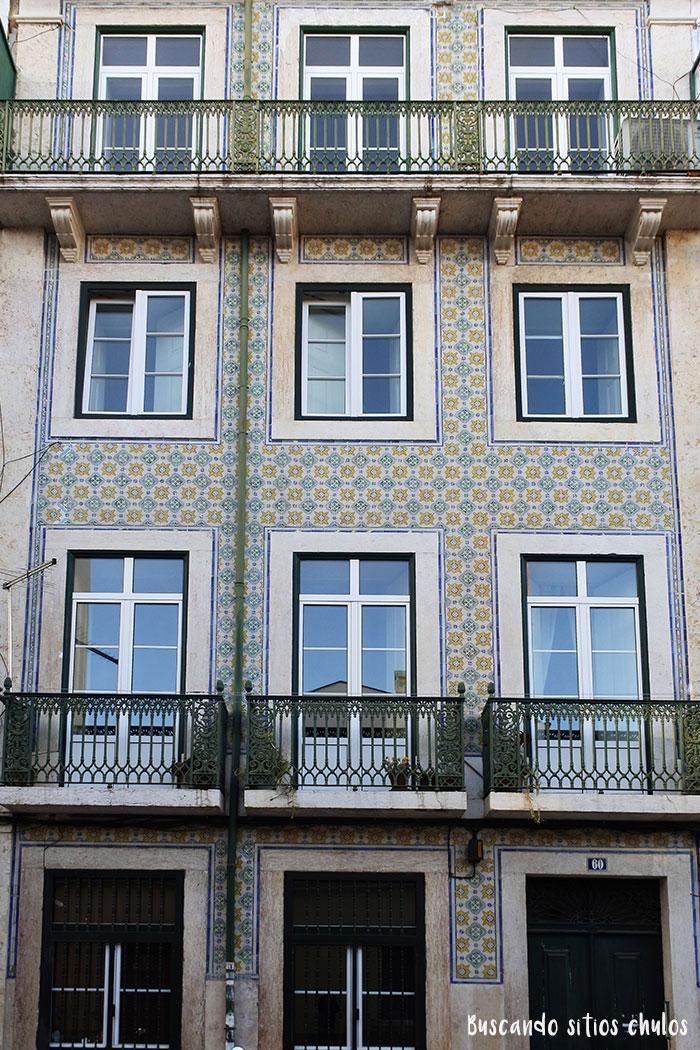 Edificios con azulejos en Lisboa
