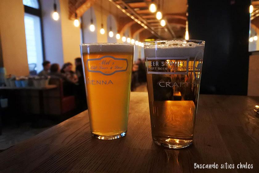 Cerveza artesana en Mel's Craft Beers & Diner