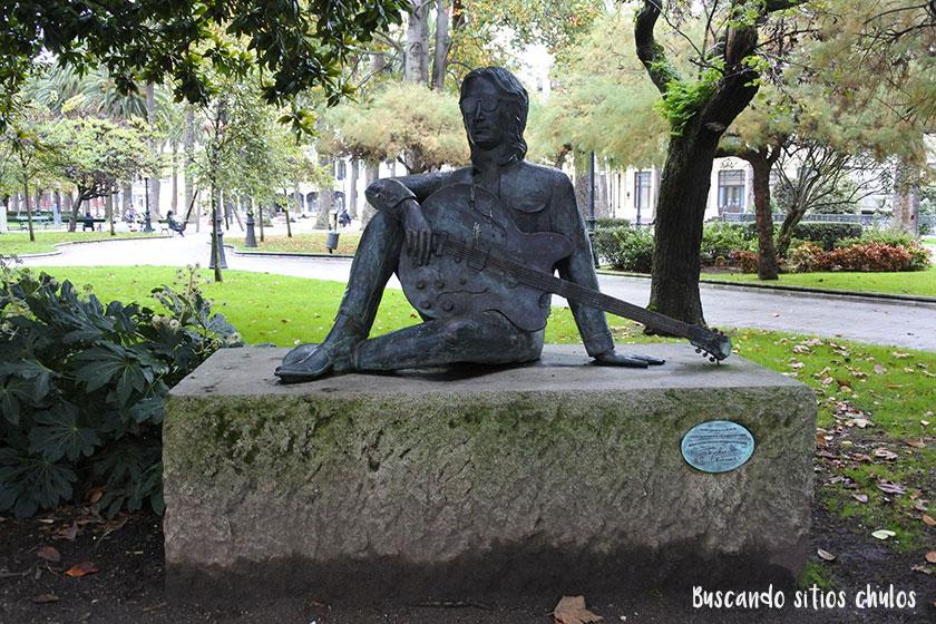 John Lennon en los Jardines de Menéndez Núñez