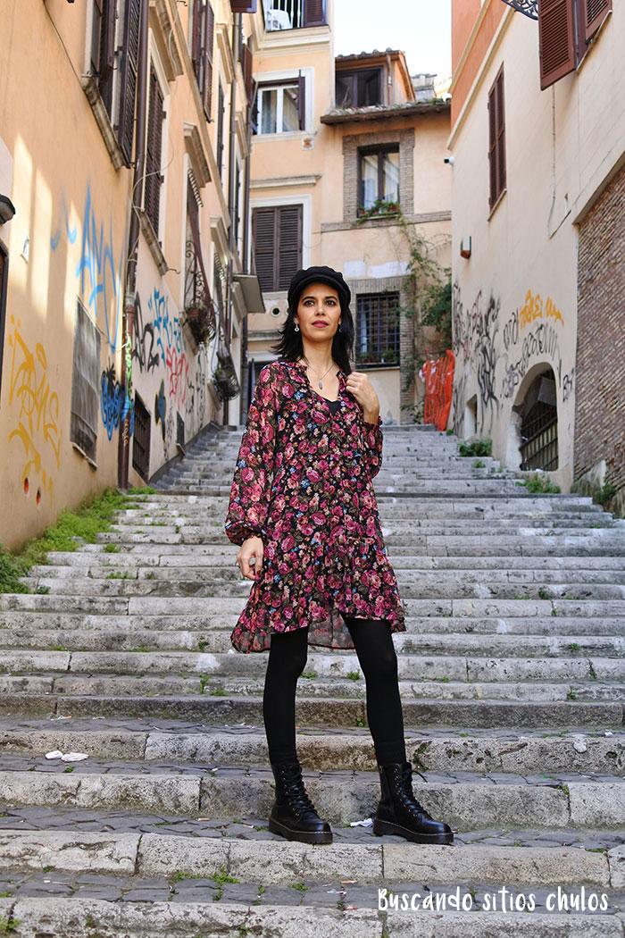 Recorrer el barrio de Monti en Roma