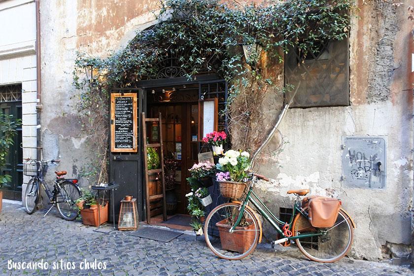 Fachada bonita en Roma