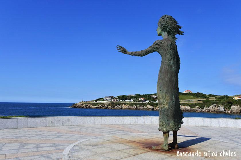 Escultura Madre del Emigrante